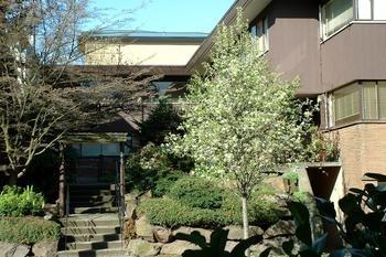 Bellevue Court