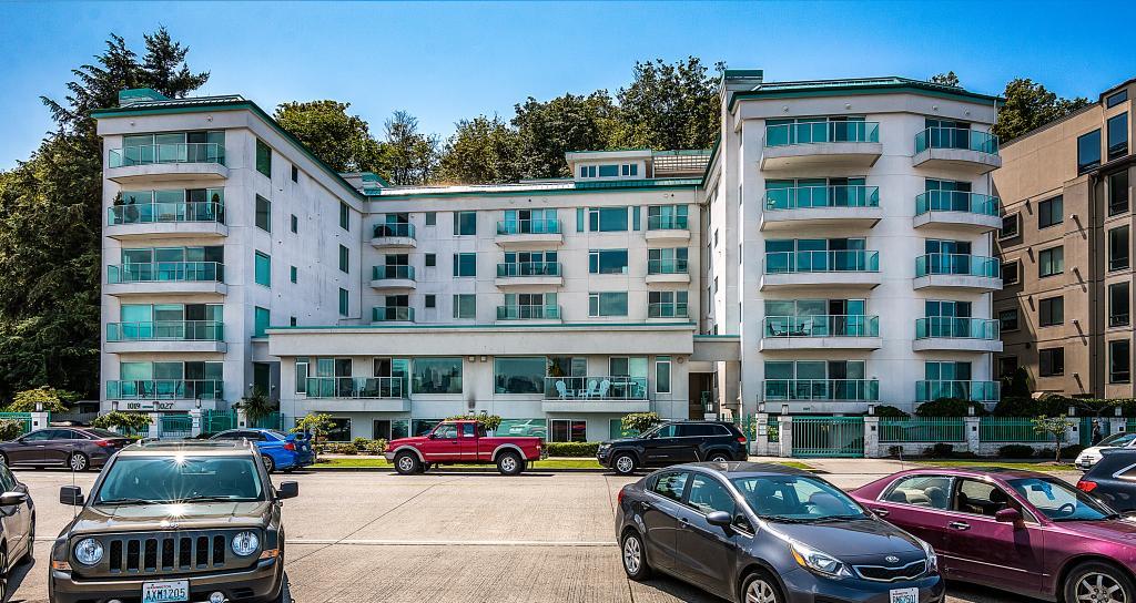 Harbour Vista Condominiums