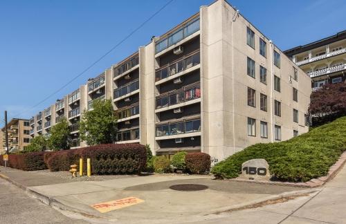 Melrose East Condominiums
