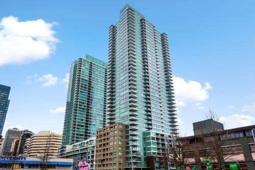 INSIGNIA Condominiums - North Tower