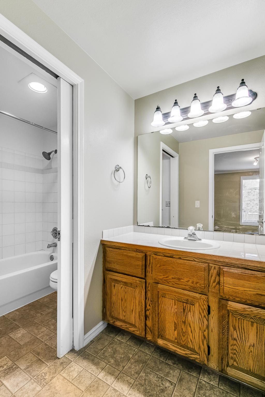 Primary bedroom full bath