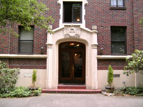 Windsor Arms Apartments