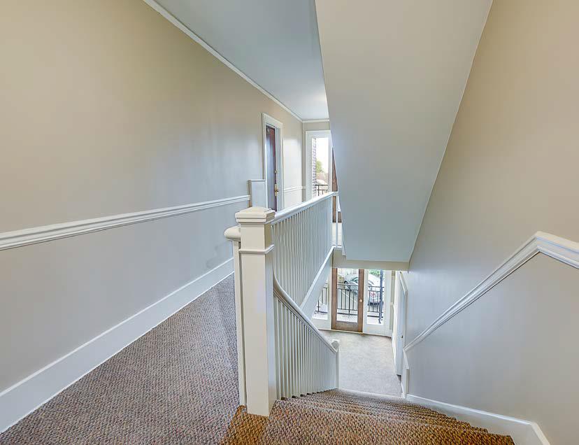 Swansonia Apartments: halls