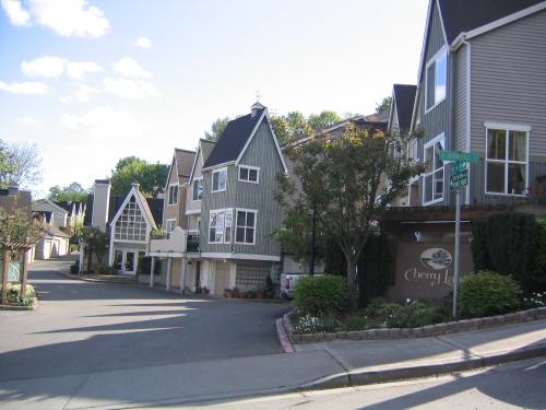 Cherrylane Condominiums