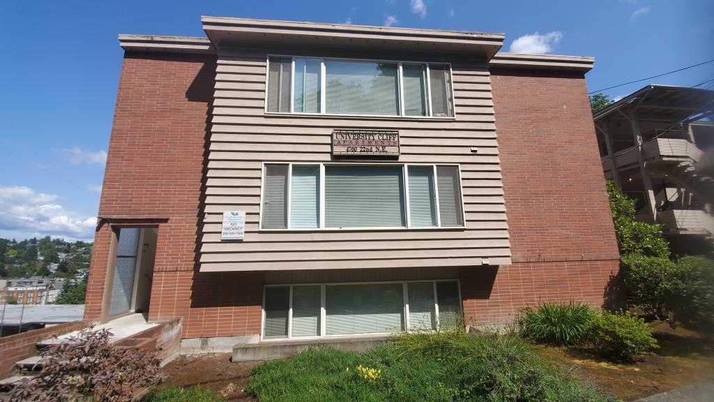 University Cliff Apartments