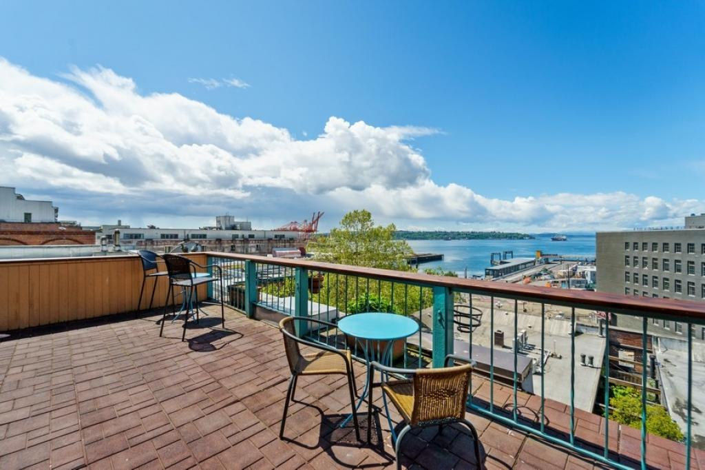 Expansive Elliott Bay and City Views