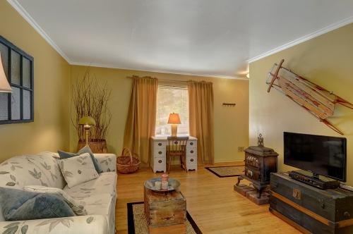 Ballard Suites